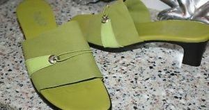 MUNRO AMERICAN LIME GREEN SANDALS WOMENS SHOES LOW